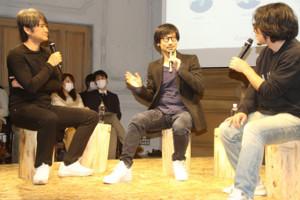 トークセッションに登壇した小島秀夫氏(中央)