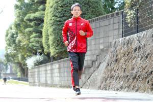 東京マラソンへ向け1人で調整する井上(カメラ・太田 涼)