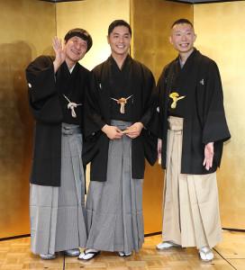 5月真打ちに昇進する(左から)瀧川鯉八、昔昔亭A太郎、伸三改め桂伸衛門