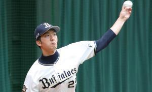 投球練習をする田嶋大樹(カメラ・義村 治子)