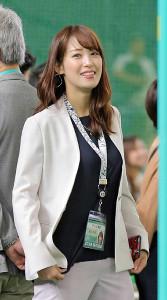 スポーツの現場取材でも明るい笑顔を振りまいていた鷲見玲奈アナウンサー