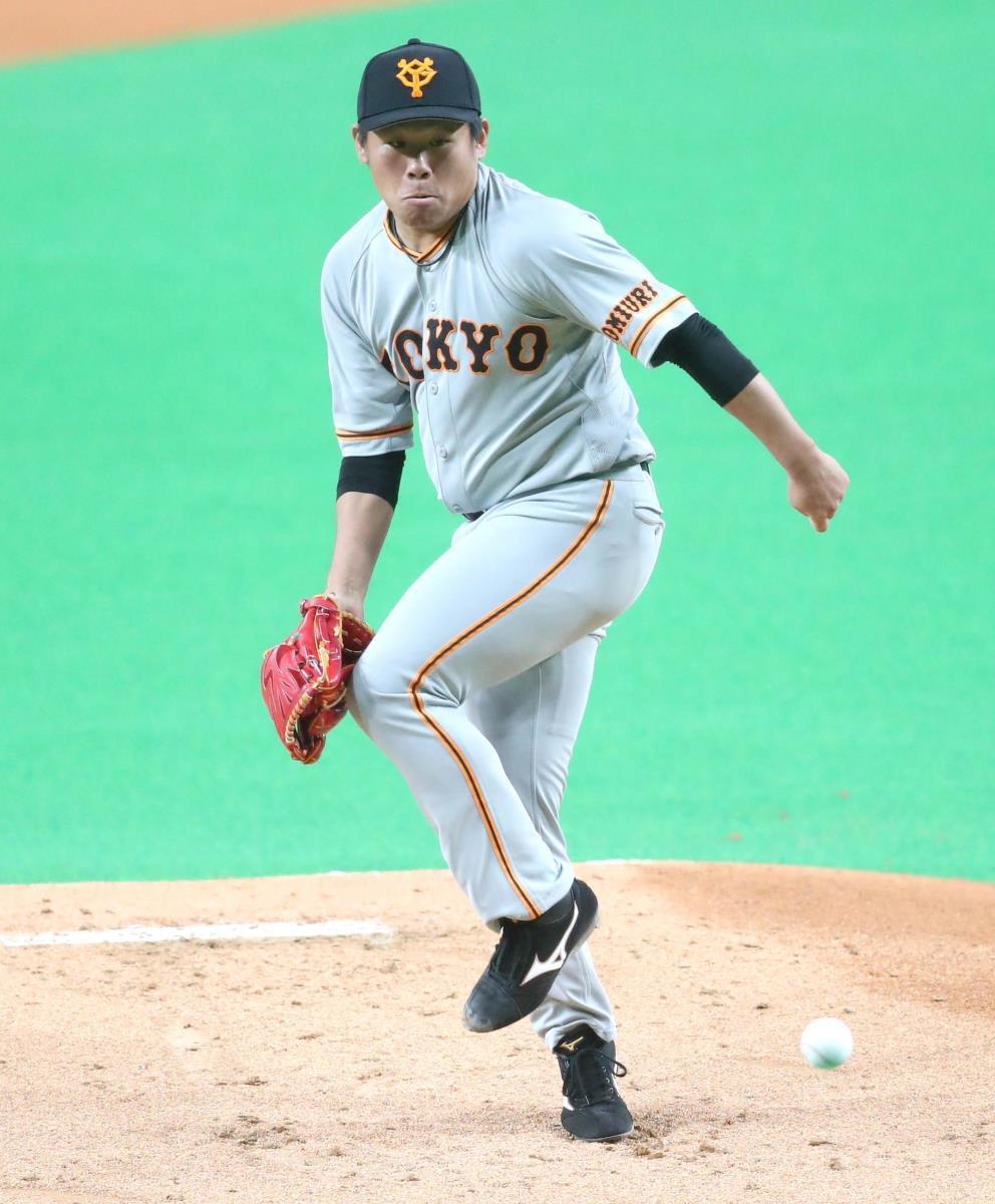 1回無死、西川の打球が右足に直撃した田口(カメラ・関口 俊明)