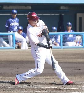 3回2死一、二塁、左前に先制適時打を放つ浅村栄斗