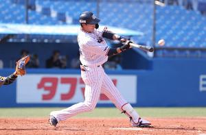 3回無死、左越え本塁打を放った広岡