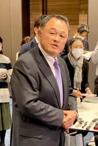 東京五輪の延期について取材に応じるJOCの山下会長