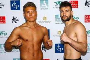 メインイベントでタイトルマッチを行うK-Jee(左)と、加藤久輝(C)M-1 Sports Media