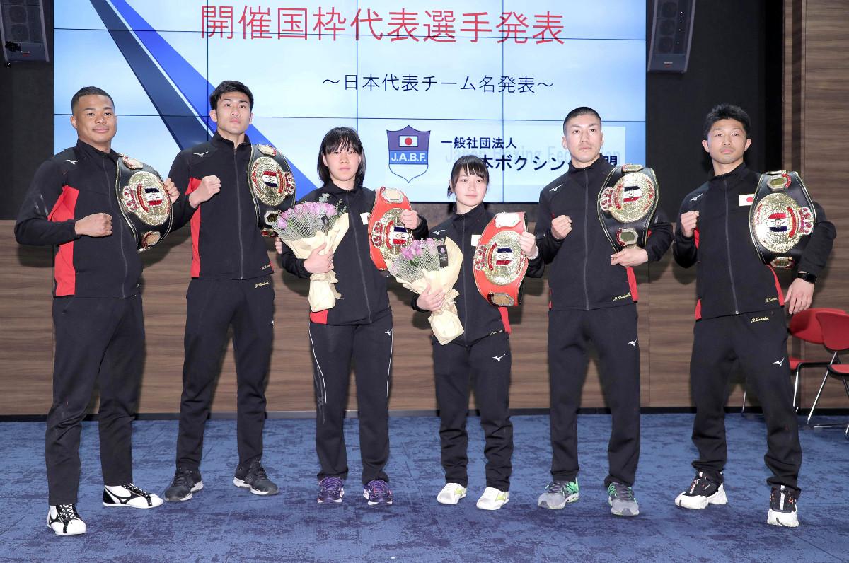 (左から)岡沢セオン、森脇唯人、入江聖奈、並木月海、成松大介、田中亮明