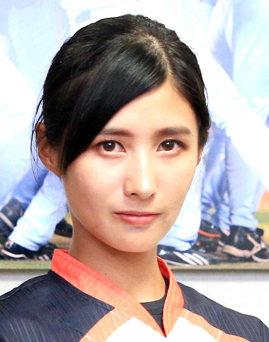 "DeNAに""美しすぎる女子野球選手""加藤優が加入"