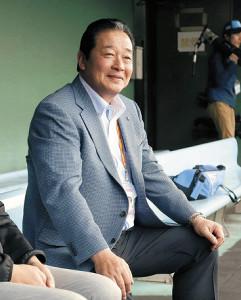 今年2月、沖縄で行われていた中日キャンプを訪れた梨田氏
