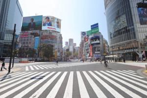 閑散とする渋谷駅前スクラブル交差点