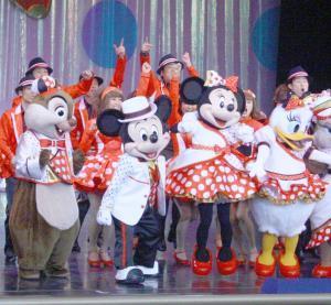臨時休園が延長される東京ディズニーランド(写真は休園中に終了したショー「イッツ・ベリー・ミニー!」)
