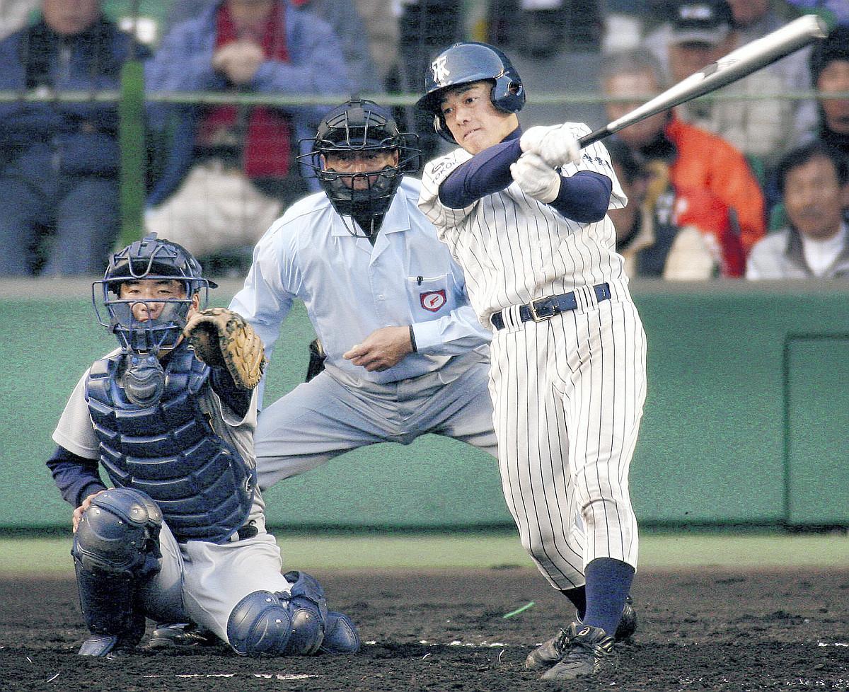 07年選抜、仙台育英との初戦で中前打を放った長谷川さん