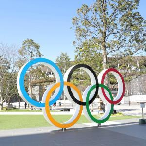 オリンピックモニュメントと国立競技場