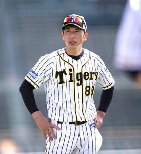 練習前にナインに挨拶する矢野燿大監督(阪神タイガース提供)
