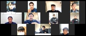 オンライン講座を行った山中慎介氏(中段左から2人目)=日本ボクシング連盟提供=