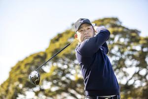 今季からミズノ社と総合契約を結んだ男子ゴルフの時松隆光(同社提供)