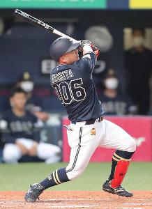 3回1死一、二塁で3ラン本塁打を放ったオリックス・大下誠一郎