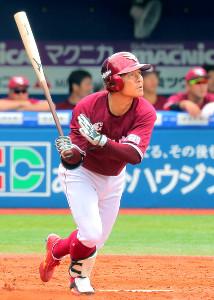 5回無死一塁、茂木が右中間へ逆転2ランを放つ(カメラ・生澤 英里香)