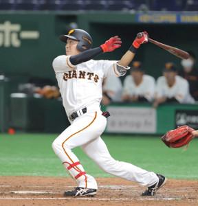 3回1死一塁、内野安打を放つ増田大輝(カメラ・中島 傑)