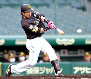 1回1死満塁、松田宣浩が先制の左前2点適時打を放つ