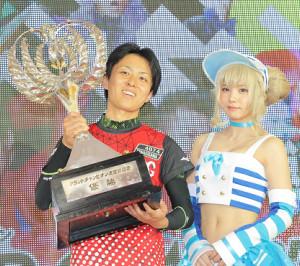 昨年のグランドチャンピオンでSG初優勝した柳沢(左)