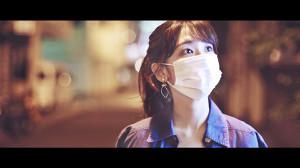 AKB48の新曲「離れていても」のMVに出演する柏木由紀