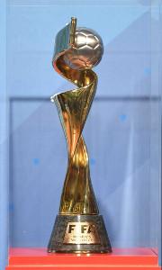 2019年フランス女子W杯の優勝トロフィー