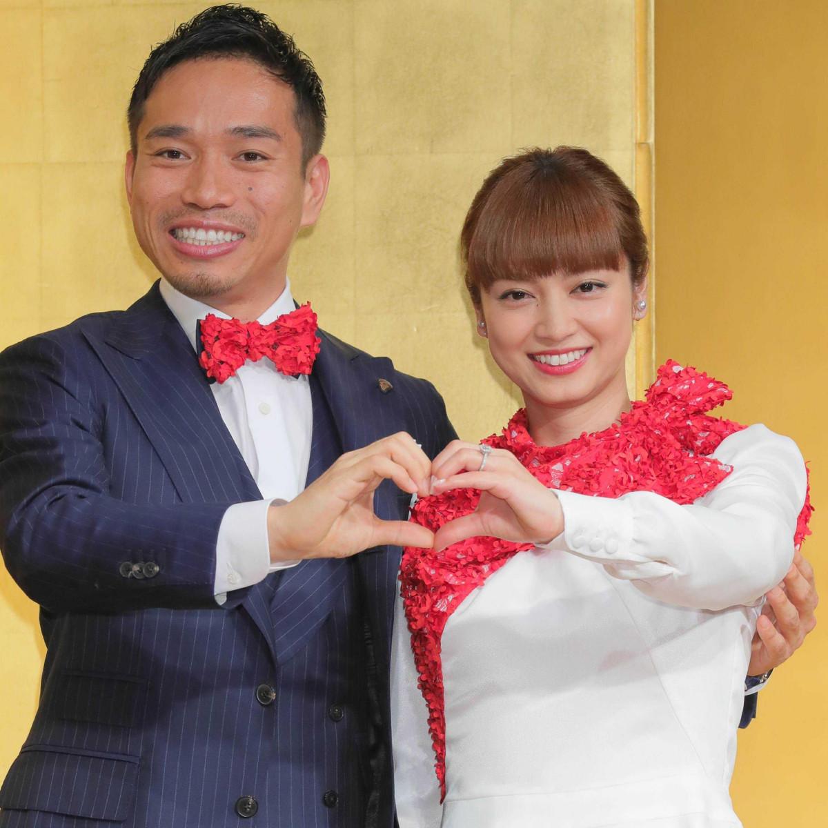 長友佑都(左)と平愛梨