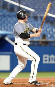 5回無死、来日初長打となる中越え二塁打を放つボーア