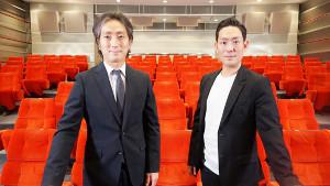 歌舞伎をライブ配信する中村勘九郎(右)と中村七之助
