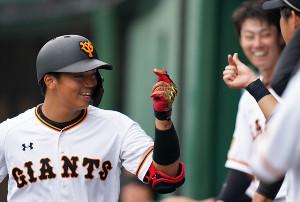 5回に本塁打を放った菊田
