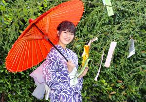 大人の雰囲気漂う浴衣姿を披露した山内鈴蘭(カメラ・相川 和寛)