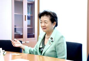 知事選で新人が現職に勝つ難しさを語った嘉田由紀子氏