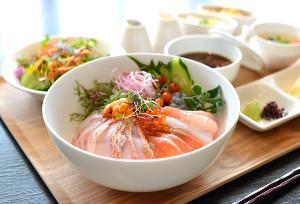 両対局者が注文した「三河鮮魚の海鮮丼」