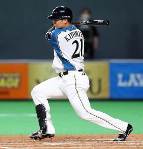 2回1死、右翼線に自身の今季初安打となる二塁打を放つ清宮幸太郎