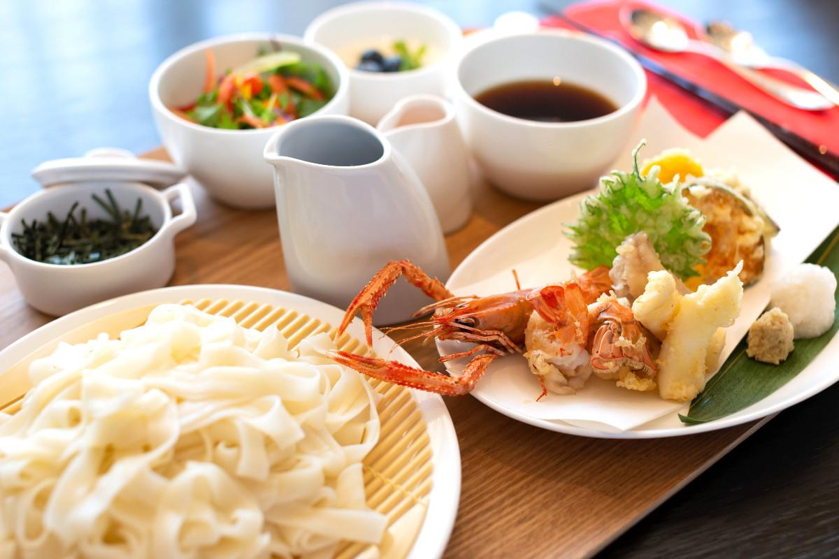 藤井聡太七段が注文した「冷やしきしめん御膳」。たしかにキノコは見当たらない(提供・日本将棋連盟)