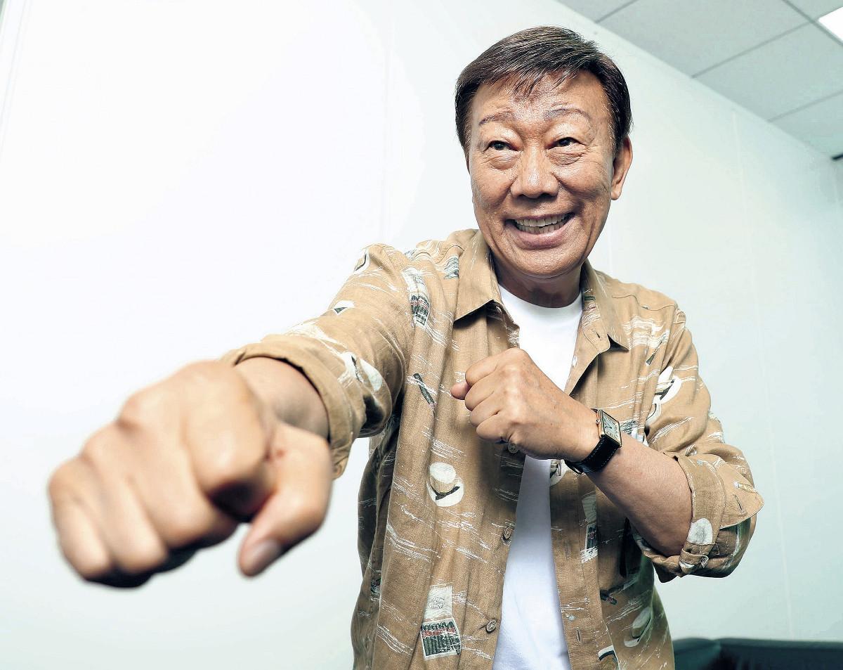 「デビュー時に、レールにうまく乗れたことがありがたいよね」と語った橋幸夫。学生時代は空手、柔道、ボクシングに熱中した(カメラ・関口 俊明)