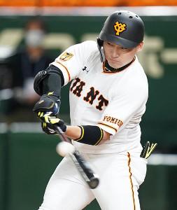 3回1死満塁、丸佳浩が2点二塁打