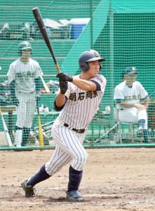 社との練習試合2試合で5打数1安打だった明石商・来田