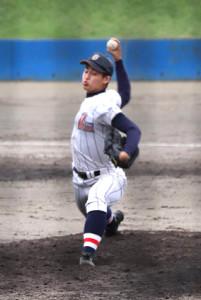 9回に打者1人を三振に抑えた浦和学院・美又