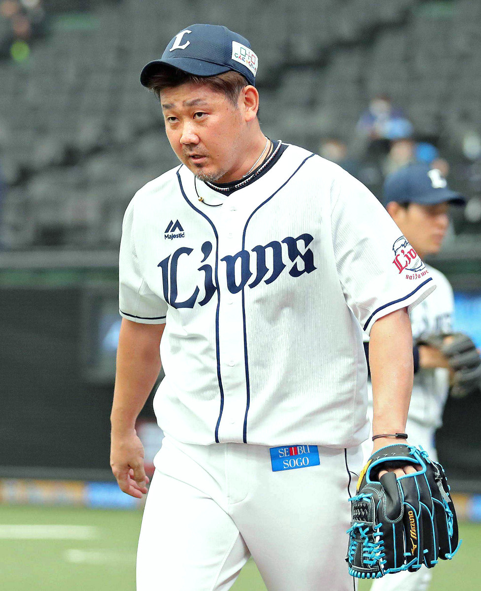 頚椎の手術を行った西武・松坂