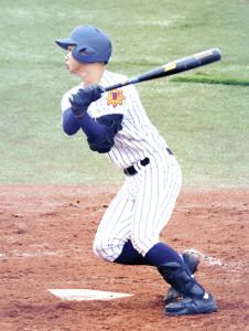 右中間に3点本塁打を放った東北の小熊(カメラ・小山内 彩希)