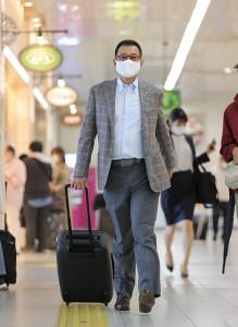広島に移動する原辰徳監督
