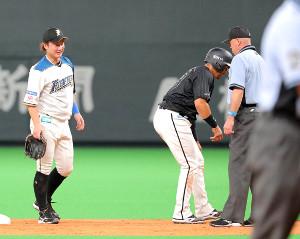 4回1死一、三塁、菅野の遊ゴロで二塁封殺の時に守備妨害を取られアウトになった一塁走者のマーティン(二塁手・渡辺)