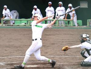 米子西戦で5打数2安打2打点の米子東・岡本(カメラ・菅原 美沙)