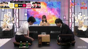 阿部光瑠六段(右)戦に臨む藤井聡太棋聖(C)AbemaTV,Inc.