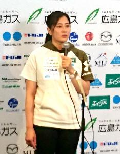 北京冬季五輪を目指す意向を明かしたスノーボード女子の竹内智香