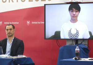 オンラインで東京パラリンピックに向けた意気込みを語ったパラテコンドーの田中光哉(右、左は室伏広治スポーツディレクター)