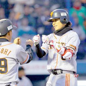 2011年4月26日のヤクルト戦で初回先頭打者本塁打を放った坂本勇人