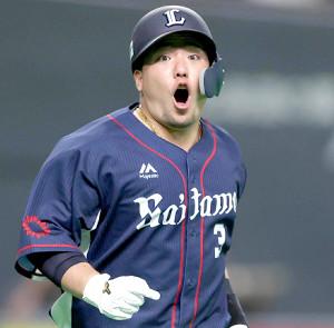6回1死一塁、左越え2ラン本塁打を放ち、山川穂高は驚がくの表情